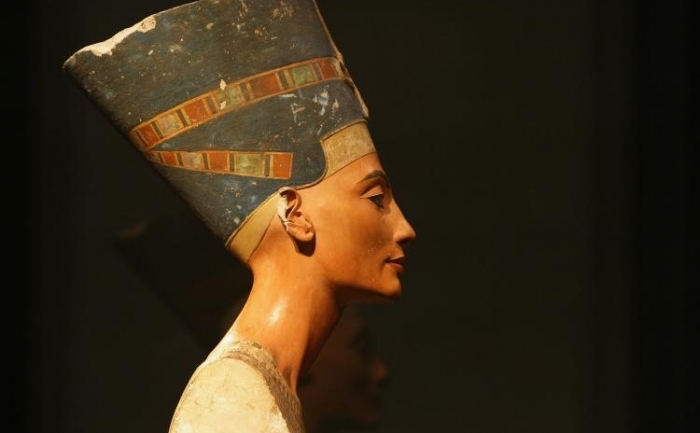 Bustul reginei Nefertiti la Neues Museum, 15 octombrie 2009 in Berlin