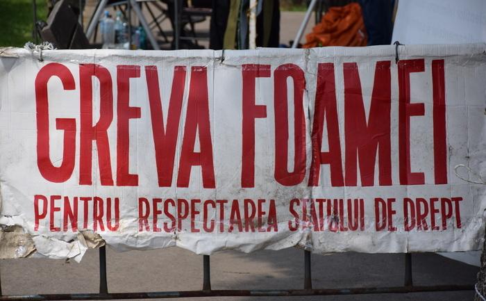 Doi revoluţionari au intrat în greva foamei în semn de protest faţă de atitudinea Guvernului (Eugen Horoiu / Epoch Times România)