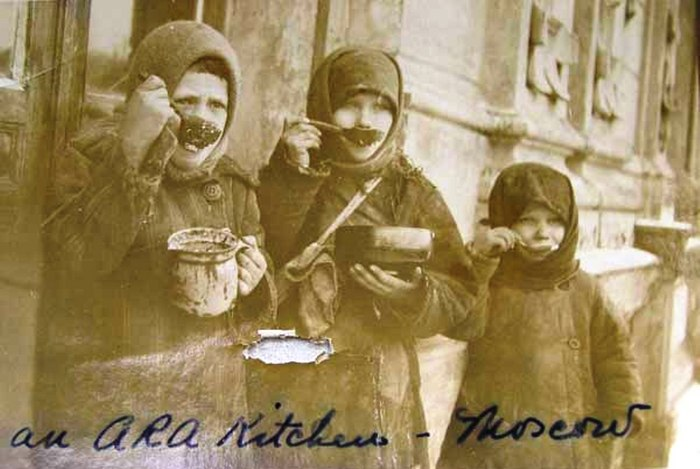 Foametea, unul dintre cele mai temute instrumente politice ale regimurilor comuniste (Prin bunăvoinţă http://afaceriorientale.blogspot.ro/.)
