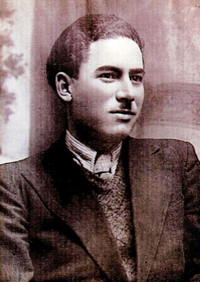 Ion C Pena: Perceptorul - scriitor; publicist, poet, epigramist, prozator. (Wikipedia)