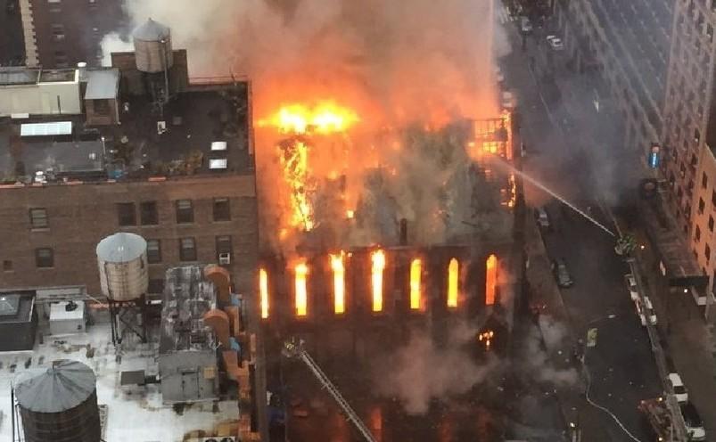 Incediu la Catedrala Ortodoxă Sârbă Sf. Sava din Manhattan, 1 mai 2016.