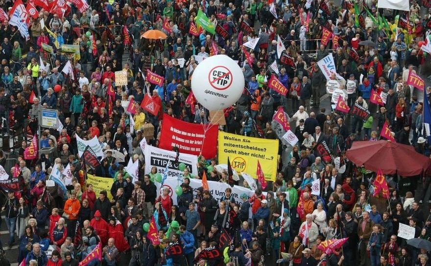 Protest împotriva CETA şi TTIP în Berlin, Germania, 17 septembrie 2016.