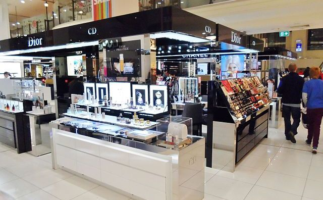 Firma Dior - cosmetice