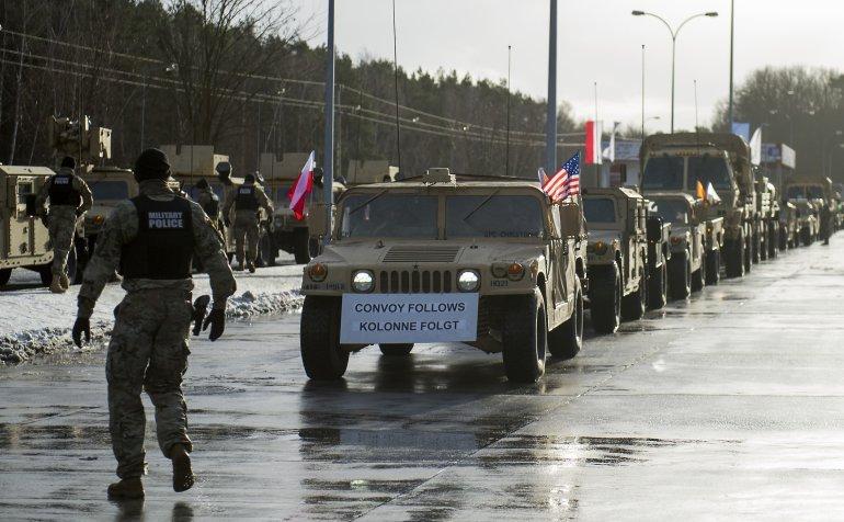 Soldaţi americani în timpul unei ceremonii de primire la graniţa polonezo-germană, în Olszyna, Polonia, 12 ianuarie 2017.